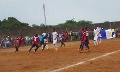 Football, Championnat National, Basketball Court, Sports, Hs Football, Hs Sports, Futbol, American Football, Sport