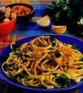 linguine con bottarga e nocciole ricetta Spaghetti, Chicken, Ethnic Recipes, Food, Contouring, Pies, Eten, Meals, Noodle