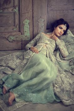 Are you Looking for Buy Indian Lehenga Choli Online Shopping ? We have Largest & latest Collection of Designer Indian Lehenga Choli which is available now at Best Discounted Prices. Pakistani Models, Pakistani Couture, Pakistani Wedding Dresses, Pakistani Outfits, Indian Dresses, Indian Outfits, Pakistani Designers, Lehenga Choli, Jacket Lehenga