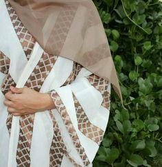 @devine Muslim Women Fashion, Islamic Fashion, Abaya Fashion, Modest Fashion, Estilo Abaya, Modern Abaya, Arabic Dress, Abaya Designs, Hijab Chic