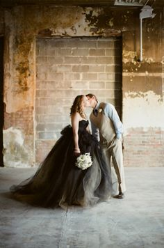 Romantic + Vintage Winter Wedding Redo - Belle the Magazine . The Wedding Blog For The Sophisticated Bride