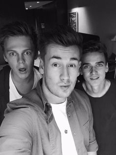 Caspar Lee, Oli White and Joe Sugg Famous Youtubers, British Youtubers, Joe Sugg Youtube, Joseph Sugg, Buttercream Squad, Sugg Life, Caspar Lee, Ricky Dillon, Vlog Squad