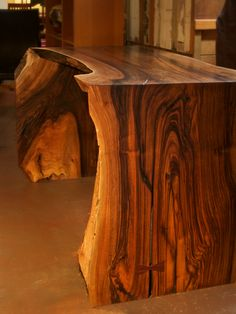Wood grain art! While I don't need more furniture, if I find something like this, I'll MAKE ROOM!