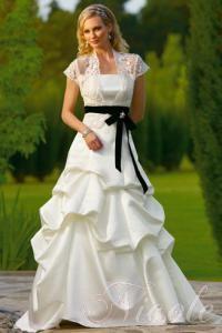 Aliza ára:79 900 Ft Blue Wedding Gowns, Western Wedding Dresses, Elegant Wedding Gowns, Colored Wedding Dresses, Modest Wedding Dresses, Bridal Gowns, Bridesmaid Dresses, Casual Wedding, Gown Wedding