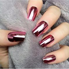 The perfect metallic red! Rose Chrome Nails (Unknown Official Name?) The post The perfect metallic red! Rose Chrome Nails (Unknown Official Name?) appeared first on nageldesign. Fabulous Nails, Gorgeous Nails, Pretty Nails, Hair And Nails, My Nails, Pink Nails, Red Nail, Shiney Nails, Magenta Nails
