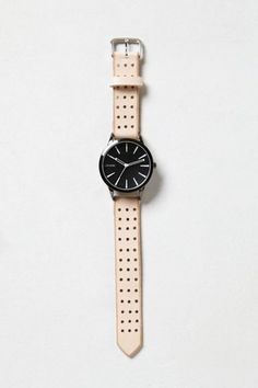Montre tendance : Three-Hole Punch Watch