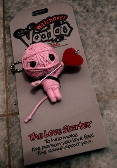 Watchover Voodoo Doll by onepbigfans on DeviantArt Diy Voodoo Doll Keychain, Watchover Voodoo Doll, String Voodoo Dolls, Doll Crafts, Diy Doll, Diy Arts And Crafts, Hobbies And Crafts, Adopt A Monster, Cute Backpacks For School
