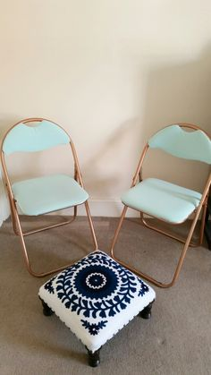 DIY Chair upgrade - I bought some really cheap folding chairs and gave them a quick and cheap makeover. Love the results and I got this look for a fraction of the price i've seen in the shops!