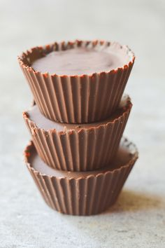 These Keto Peanut Butter Cheesecake Bites are a yummy, low carb, high fat, no-bake dessert that will have you running back for more! | heyketomama.com