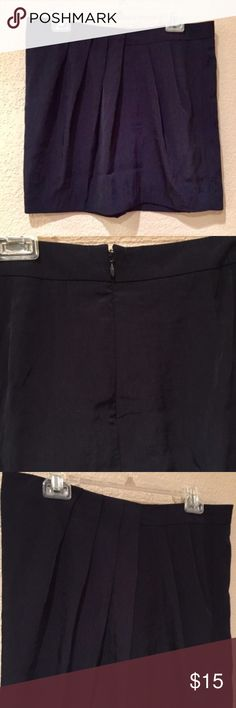Gap pleated petite mini dress skirt with back zip Gap pleated petite mini dress skirt with back zip good preloved piece perfect wardrobe basic addition GAP Skirts Mini