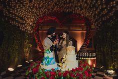 Bridal Poses, Bridal Photoshoot, Sikh Wedding, Wedding Pics, Wedding Cakes, Wedding Ideas, Wedding Reception Makeup, Sabyasachi Sarees, Couple Outfits