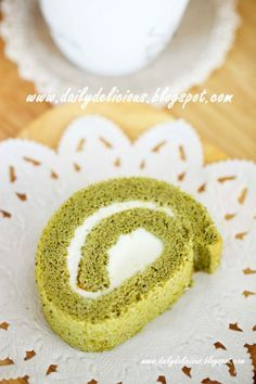 dailydelicious: Soft Green tea Roll with White chocolate cream filling