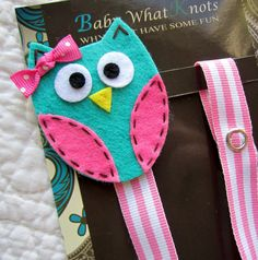 Girl Pacifier Clip Owl Pacifier Clip Blue Owl by BabyWhatKnots Boy Pacifier, Pacifier Holder, Pacifier Clips, Baby Crafts, Felt Crafts, Dummy Clips, Hair Clips, Diy Bebe, Baby Sewing Projects