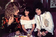 Robert Plant, Linda Ronstadt, Ronnie Wood
