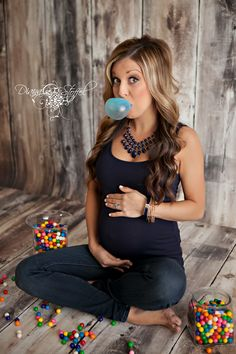 Ready to POP maternity pregnancy photo session pose