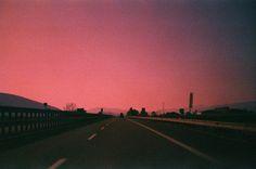 sky, sunset, and pink image Aesthetic Desktop Wallpaper, Wallpaper Pc, Computer Wallpaper, Desktop Wallpapers, Pretty Sky, Beautiful Sky, Lilac Sky, Laptop Backgrounds, Sky Aesthetic