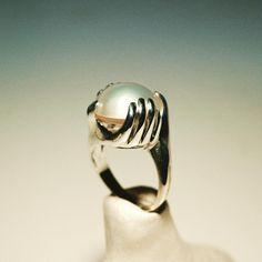 Atlas Silver Ring-New Collaboration Project  #jewellery #jewelrygram #jewelrydesign #jewelryblogger #miniature #handsring #silverring #sculpture #pearl #mariachiaralampertigioielli