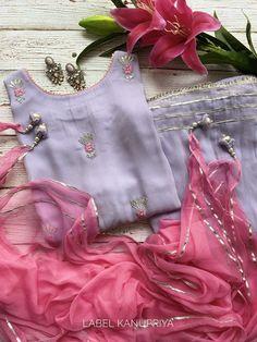 Indian Fashion Dresses, Pakistani Dresses Casual, Dress Indian Style, Pakistani Dress Design, Indian Outfits, Fashion Outfits, Stylish Dresses For Girls, Stylish Dress Designs, Designs For Dresses