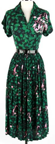 1940s flamingo dress. Yes, please. (from the moda.com fashion history pages)