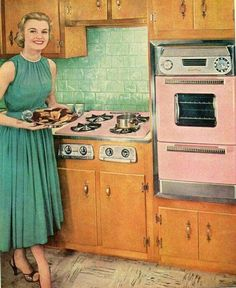 Love the retro colored appliances! Vintage Room, Vintage Ads, Vintage Kitchen, Vintage Decor, 1950s Kitchen, Retro Kitchens, Pink Kitchens, Vintage Stove, 1950s Decor