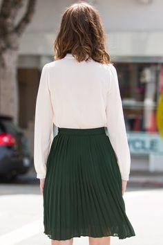 Bailey Green Pleated Midi Skirt – Morning Lavender