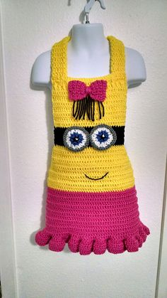 Ravelry: Girl Minion Inspired Apron pattern by Lulu Bebeblu