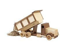Construction-Grade Dump Truck Woodworking Plan from WOOD Magazine