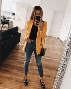 Women outfits Fashion style online store to buy for and edgy trends inspiration for fall spring summer classy vitage casual clothes and street tips for ripped jeans pants dresses skirts leggings crop tops boots coats heels shoes t shirts sneakers Dinner Outfits, Casual Work Outfits, Blazer Outfits, Business Casual Outfits, Mode Outfits, Office Outfits, Work Casual, Classy Outfits, Trendy Outfits