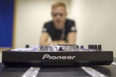 BPM 2012: Pioneer DDJ-SX hands on