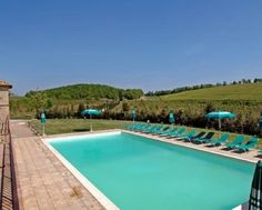 Agriturismo centrally located in Tuscany with spacious apartments & playground