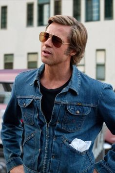 Brad Pitt as Cliff Booth in Once Upon a Time in Hollywood Brad Pitt Style, Jean Imbert, Charles Manson, Brad Pitt Hair, Wrangler Jeans, Pulp Fiction, In Hollywood, Hollywood Quotes, Once Upon A Time