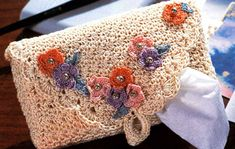 Pretty Tissue Holder from Talking Crochet Newsletter