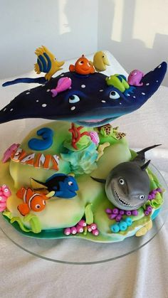 birthday cake little girl boy original idea amateur cartoons Nemo cake original design pies pies recipes dekorieren rezepte Pretty Cakes, Cute Cakes, Beautiful Cakes, Amazing Cakes, Unique Cakes, Creative Cakes, Creative Ideas, Fondant Cakes, Cupcake Cakes