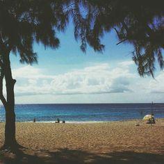 Boucan Canot (Photo envoyée par @najuati_)  N'hésitez pas vous aussi à envoyer vos photos et à liker la page Facebook.com/ile974 (publications différentes d'ici )  #lareunion #reunion #gotoreunion #reunionisland #iledelareunion #reunionparadis #reuniontourisme #igerslareunion #nature #landscape #ile974 #island #paysage #paradise  #beach #beautiful #view #sky #ocean by 974_lareunion