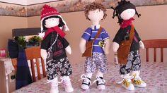 Meninos Rafael, Antonio e Ninho, bonecos feitos à mão com inspiração nos adolescentes dos dias atuais.