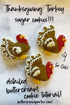 Detailed tutorial for how to decorate Thanksgiving turkey sugar cookies with buttercream frosting! Video tutorial also included! #thanksgivingdessert #thanksgiving2020 #thanksgivingrecipessidedishes #thanksgivingcookies #turkey #turkeycookies #decoratedcookies #fallcookies #bakersspotlight