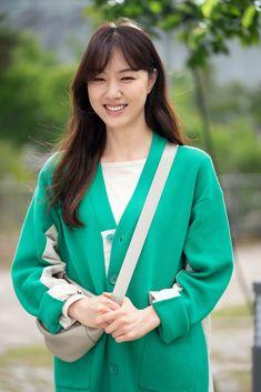 Seo Ji Hye, Korean Beauty, Actresses, Blazer, Photo And Video, Celebrities, Sweaters, Jackets, Smile