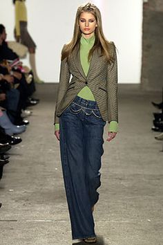 DKNY Fall 2003 Ready-to-Wear Collection Slideshow on Style.com