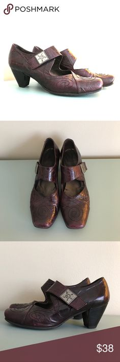 Fidji 542 - Mestizo Purple Mary Jane Shoes Comfortable, gently used Fidji Shoes Heels