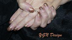 Glitterfading twee kleuren met inlay sterretjes en stempel nail art