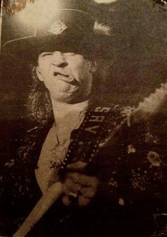 Bwady playing or playing Bwady? Funny Vintage Ads, Vintage Humor, Rock And Roll Artists, Stevie Ray Vaughan, Blues Music, Pink Floyd, Rock N Roll, Famous People, Double Trouble