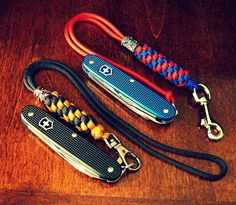 Don't be caught in an emergency or out camping without a complete paracord survival bracelet or keychain. Paracord Keychain, 550 Paracord, Paracord Bracelets, Snake Braid, Snake Knot, Paracord Projects, Paracord Ideas, Diy Projects, Paracord Accessories