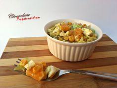 L'insalata cavolo e arancia è una ricetta versatile: perfetta sia come antipasto sfizioso che come contorno ricco e saporito