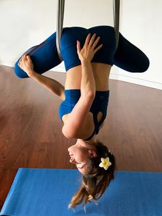 Aerial yoga teacher training in Hawaii at still in moving center on the island of Oahu. #aerialyogateachertraining