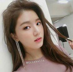 Ga kuat aku tuhhhh wkwk:v Jungkook Fanart, Bts Taehyung, Bts Jungkook, Foto Bts, Bts Photo, Bts Army Bomb, Bts Beautiful, Bts Girl, Bts Memes Hilarious