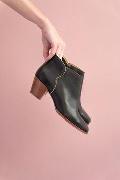 1a2fd1966cc37 Je botte en touche! chaussures lazarette noir Des Petits Hauts, Collection  Printemps Été 2017, Chaussures Femme, Noir