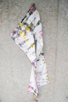 i've been searching for the perfect pair of tie dye jeans... DUH, i'll just make them myself