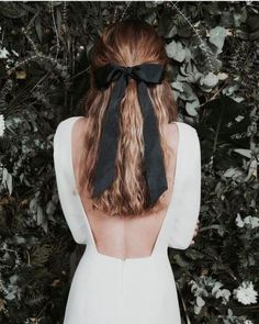Wedding Hairstyles For Long Hair Pretty half up hairstyle with soft waves tied back with a black ribbon in a bow. Pretty date night and party hairstyle hair inspiration ideas. Up Hairstyles, Pretty Hairstyles, Wedding Hairstyles, Party Hairstyle, Ribbon Hairstyle, Hairstyle With Bow, Hair With Bow, Hairstyles With Ribbon, Hairstyle Men