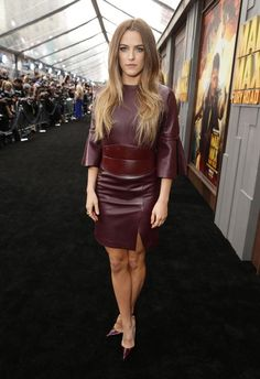 RILEY KEOUGH Elvis Presley's Granddaughter, Riley Keough, Girls Rules, Beautiful Celebrities, American Actress, Leather Skirt, Celebs, Actresses, Womens Fashion