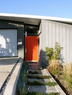 Orange door on a grey house instead of the eggplant color? Front Door Paint Colors, Paint Colors For Home, House Colors, Modern Entry, Modern Exterior, Soho, Home Porch, Grey Houses, Modern Landscaping